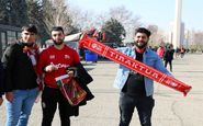 حاشیه دیدار پرسپولیس - تراکتور  حضور هواداران تراکتور در ورزشگاه آزادی + تصاویر