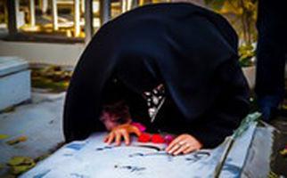 فیلمی شوکهکننده از یک سهلانگاری دردناک/ همسر شهید پس از ۳۸ سال قبر شوهرش را پیدا کرد!
