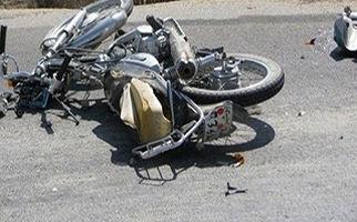 تصادف شاخ به شاخ سه موتورسیکلت با یکدیگر + فیلم
