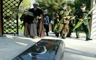 گزارش تصویری از برگزاری مراسم رونمایی مزار شهید گمنام درمحل قرارگاه منطقه ای غرب ارتش