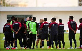 آمادهسازی تیم ملی فوتبال عمان برای رویارویی با ایران در شب بازگشت محسن جوهر + تصاویر