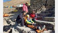 زن کوهنورد با هلی کوپتر پایین آمد