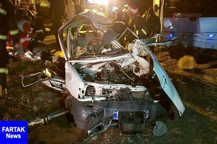 تصادف اتوبوس با پراید در جاده بجستان- فردوس ۲ کشته برجای گذاشت