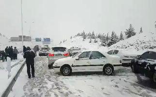 بلایی که برف بر سر آزادراه پردیس آورد! +فیلم