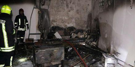 نجات 4 نفر از جمله یک خانم باردار از میان شعلههای آتش و دود در مشهد