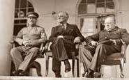 جلسه ای مهم در ایران بدون حضور شاه