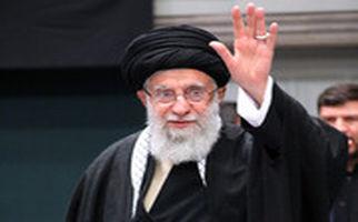 چشمان اشکبار آیتالله خامنهای در زمان ذکر یاد شهید حاج قاسم سلیمانی در مراسم سوگواری حضرت زهرا (س)