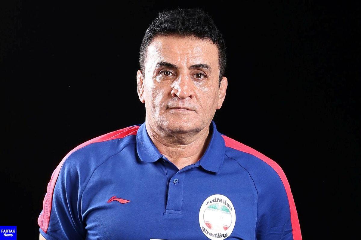 محمد بنا سرمربی تیم ملی کشتی فرنگی دوباره استعفا کرد