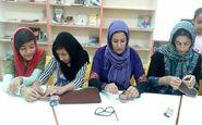 آموزش صنایع دستی بومی و محلی برای اعضای نوجوان در مرکز کوزران