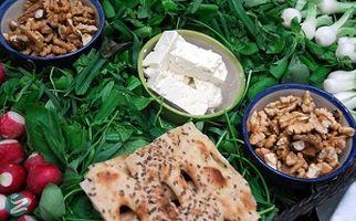 بهترین خوراکی ها برای وعده های سحری و افطار + فیلم