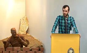کنایه سنگین به مدیران نجومی در شب شعر طنز انقلاب اسلامی + فیلم
