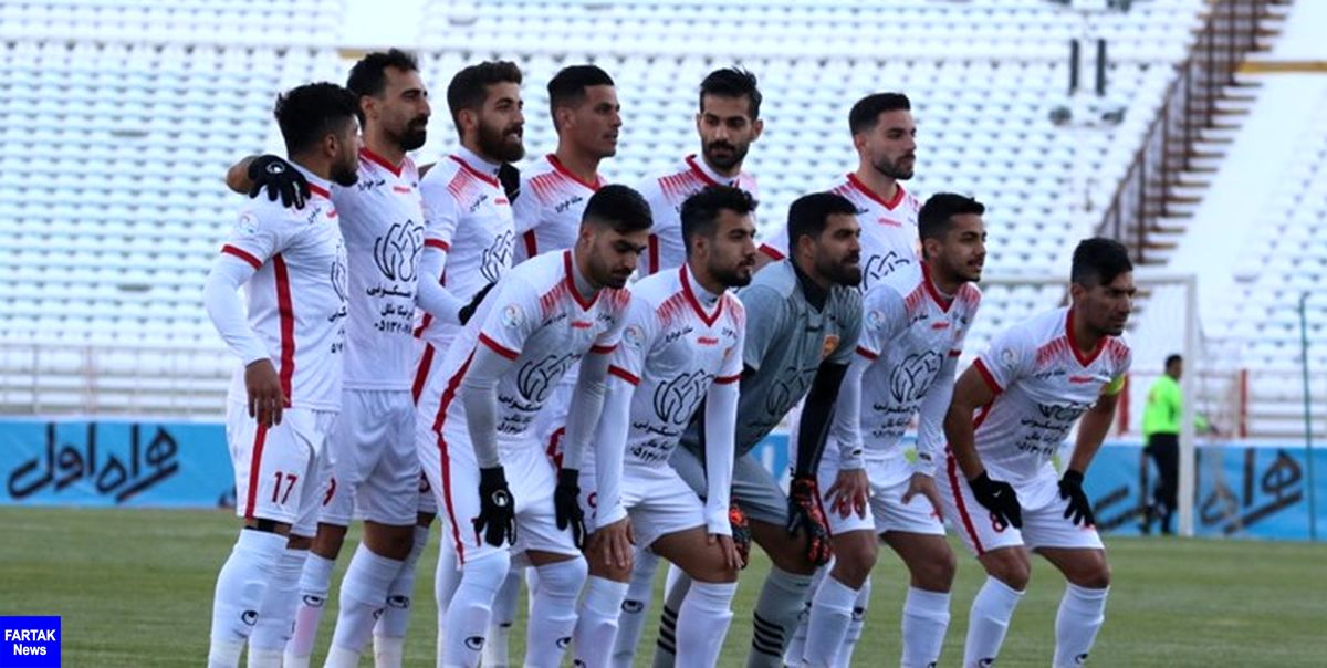 سرگردانی اعضای شهر خودرو در تبریز/ نماینده مشهد بلیت برگشت ندارد
