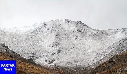 بارش برف در گردنههای استان قزوین/ اکیپهای راهداری آمادهباش هستند