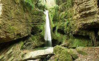 آبشار زیبای